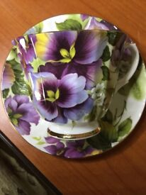 Pretty Vintage Pansy Cup & Saucer. Mint Condition