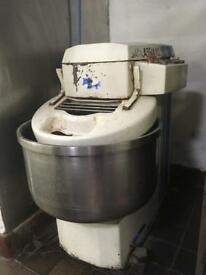 Large dough mixer