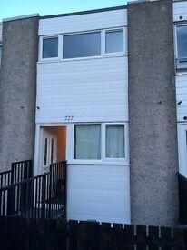 Renovated 3 Bed Townhouse GCH, DG, Bathroom & WC * Cumbernauld * Glasgow *