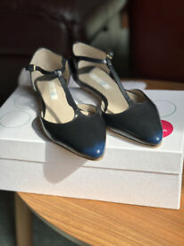 Boden T-bar flat navy shoes - size 3 (36)