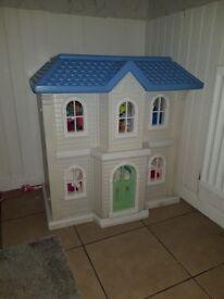 vintage DOLLS HOUSE (little tikes)