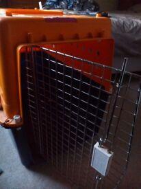 International pet travel crate