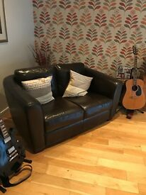 2 seater sofa - dark brown leather - mint condition