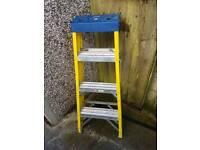 4 tread fibreglass electricians ladder