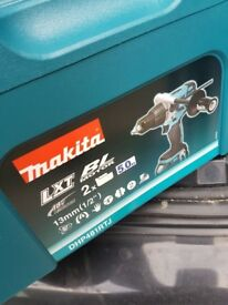 BNIB Makita DHP481RTJ Combi Brushless Drill 18v inc 2x 5.0Ah Batteries in Makpac Type 3 Case.