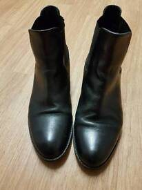 Good condition size 6