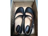Clarks shoes size 3