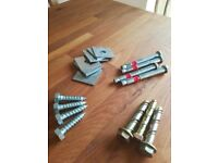 Assorted fixings. Hilti bolts, square washers, excalibur bolts, coach screws. Approx. 1000 pieces