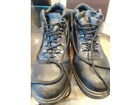 Mens size 7 work/winter boots