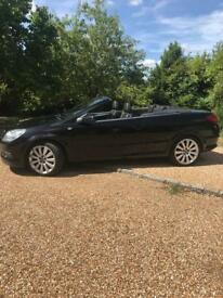 Astra twintop convertible 1.9CDTi exclusiv 57 plate black