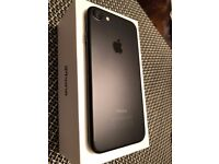 Black Apple iPhone 7 - 128GB - Unlocked - Comes with all accessories