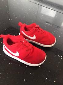 Red Nike trainers uk 7.5