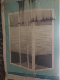 shower tray & enclosure
