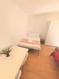 STUDENT LET ONLY 2021 - 2022 - STUDIO to let close to Bournemouth train station TC8
