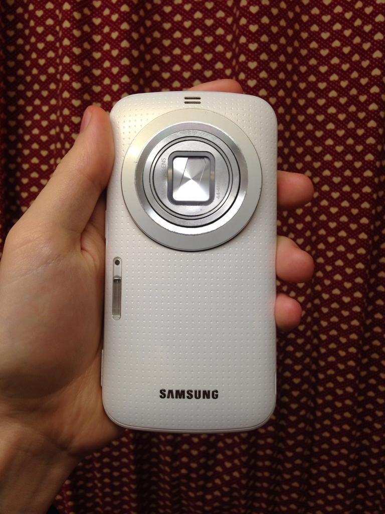 Samsung เปิดตัว Galaxy K zoom สมาร์ทโฟนที่เกิดมาเพื่อการถ่ายภาพ
