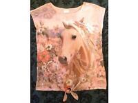 Girls horse top tshirt age 10-11 years