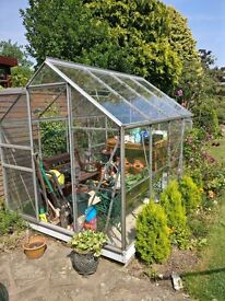 Greenhouse 8 1/2' x 6' - good condition, all panes intact