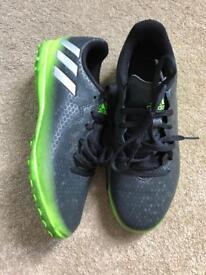 Adidas Messi junior football boots (Sz 4)