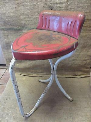 Vintage Metal Heart Shaped Chair > Antique Old Stool RARE FIND Table 9469