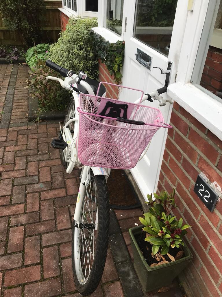 Apollo tropic girls bike