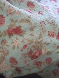 Double bed throw, double sided
