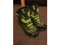 Salomon 4d chassis Gore-Tex walking boots- GREAT CONDITION