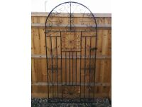 Wrought iron garden gates, Edinburgh Bowtop 2 sizes, including hinges