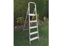 Step ladder stepladder