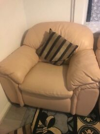 2 armchairs excelant condition