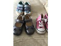 Clarks/converse shoes size 4