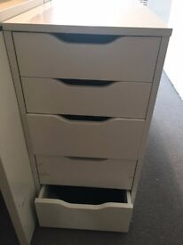 Free- 1 White Drawer with wear and tear Height 69 cm x Depth 58cm x Width 36.3cm