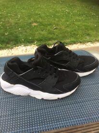 Nike Huarache Trainers Size 4