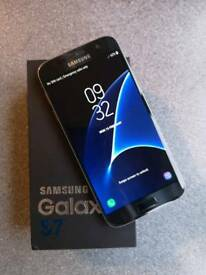 Perfect condition Samsung s7 32 mb in original box on ee