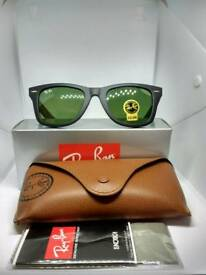 Ray-Ban wayfarer sunglasses matte black