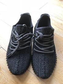 Adidas Yeezy black size 7.5 uk