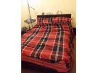 FULLY FURNISHED SINGLE/Double ROOM TO LET - FEMALES PREFERABLY