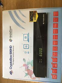 Satellite antenna plus HD digital satellite receiver CryptoBox 600HD