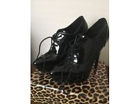 Patent leather size 6 shoes