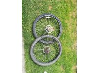 "2 x 26"" aluminium rims with tyres and disks"