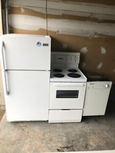 """Wow Full working Apartment Applaince SEt: 28""""w FRIDGE DELIVER"""