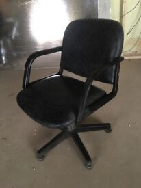Salon cutting chairs