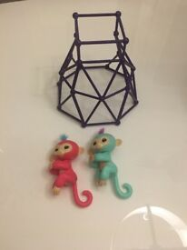 Original Fingerlings and play frame