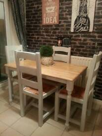 Fab table and chairs can deliver