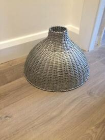 Metal wicker lamp shade