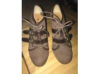 Ladies Tan High Heel Shoes - New Look - Worn once! - Size 5