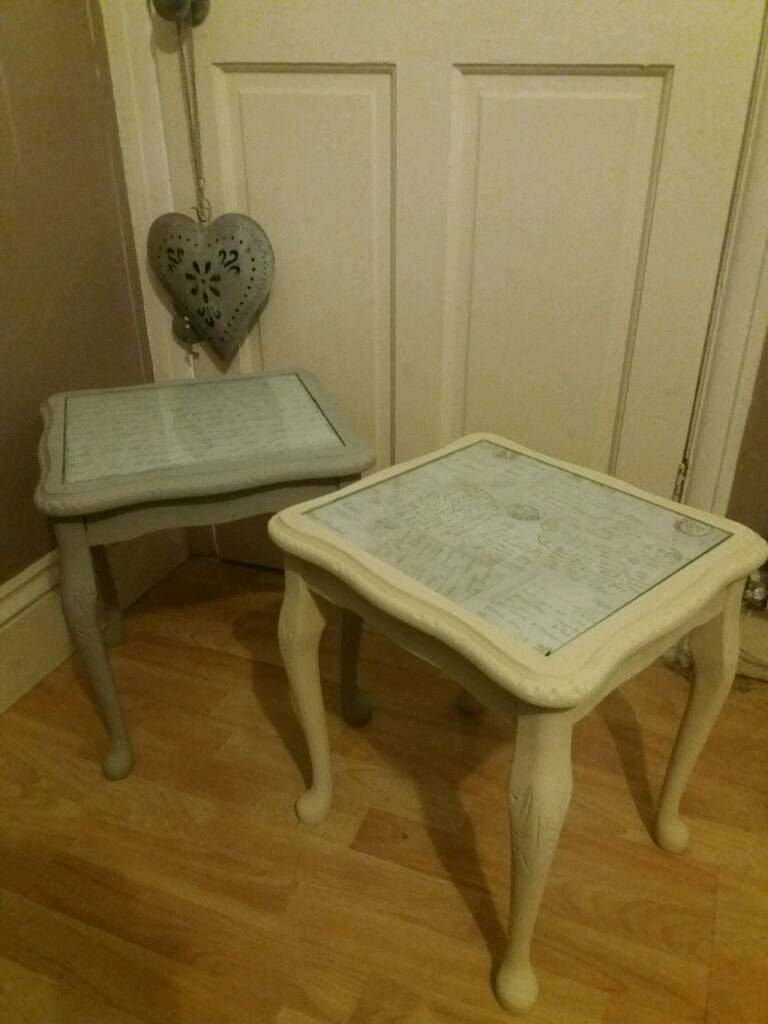 BEAUTIFUL PAIR OF SHABBY CHIC SIDE TABLES