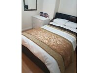Lovely room in friendly quite clean house. Ideal for stockley park Heathrow Hillingdon hospital