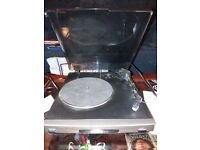 Goodmans Mini Vinyl Record Turntable with built in phono amplifier