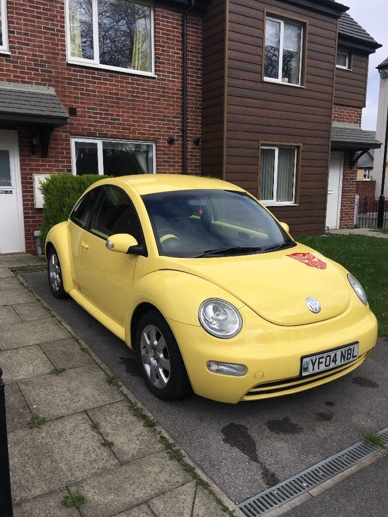 Yellow 2.0 petrol VW Beetle for sale.   in Seacroft, West Yorkshire