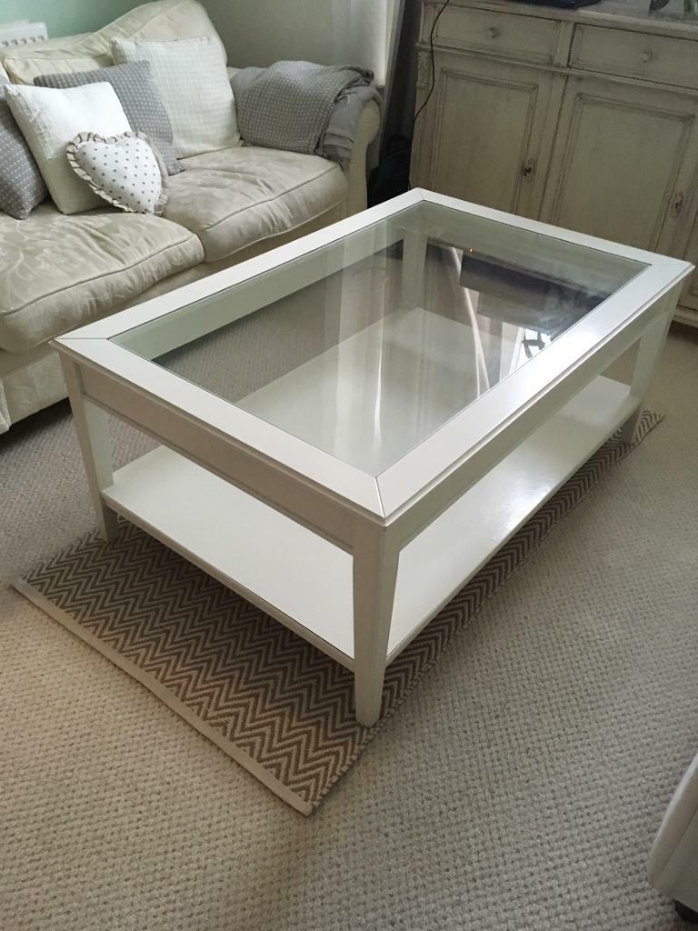 Beautiful large white coffee table